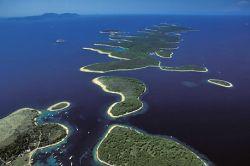 Hrvatska je doista zemlja otoka; ima ih više od tisuću, a svaki je drukčiji. ...